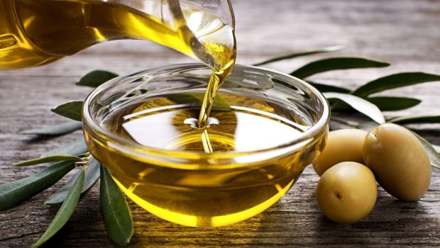 Huile d'olive : 6 bienfaits pour la santé de votre chien