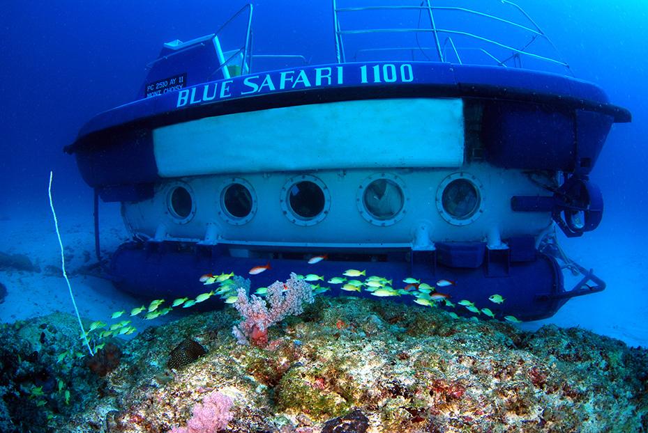 sous marin pour visiter les récifs de l'île maurice